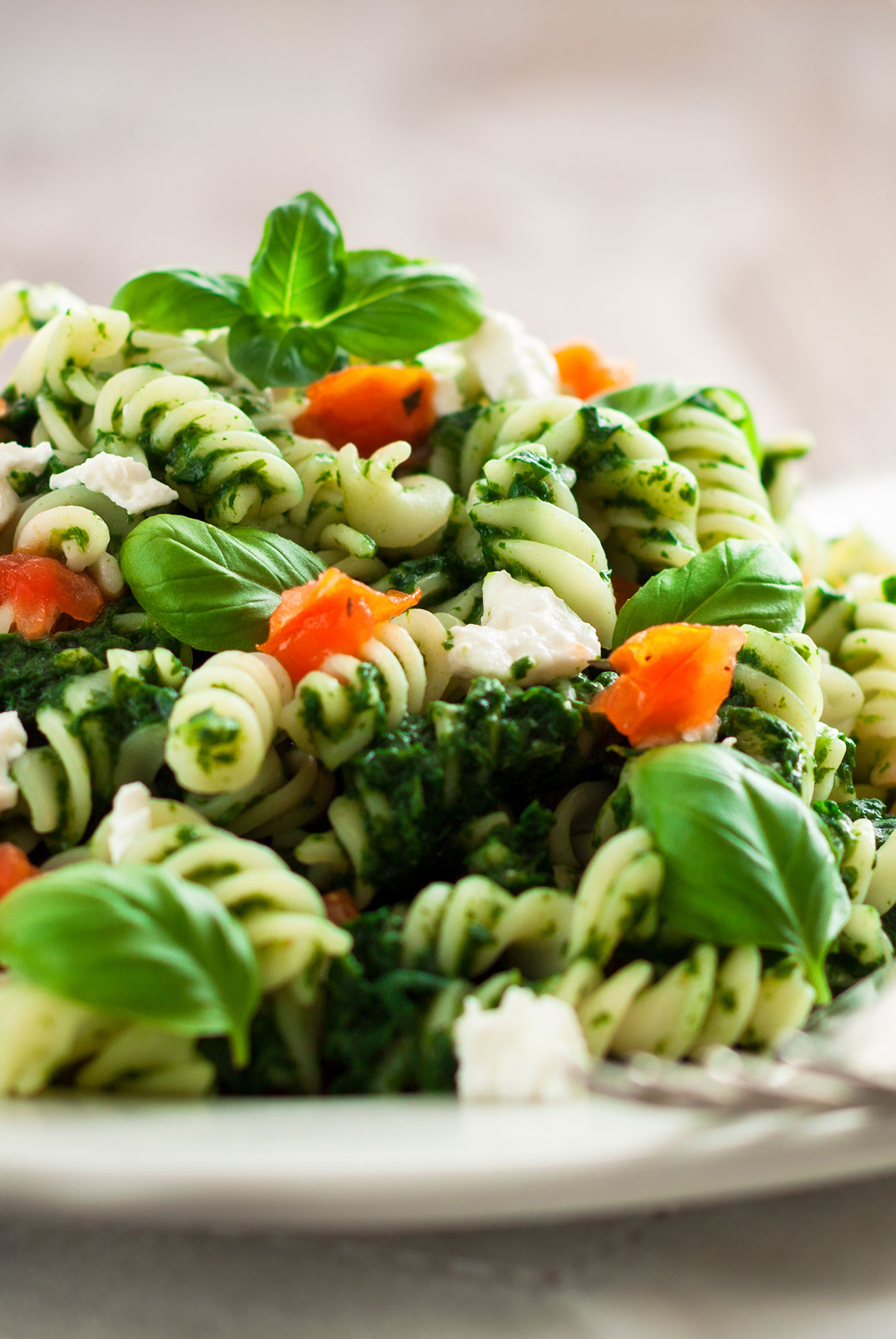 Fusilli with basil, tomato, feta and herbs PowerSlim Nutrition